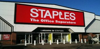 Staples goes bare : 1.1 Million Cards Exposed in Data Breach