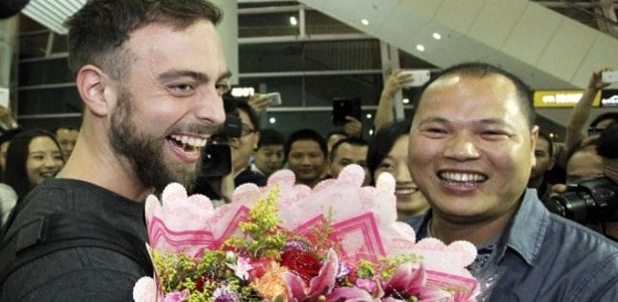 Lost iPhone leads to a intercontinental bromance between United States and China