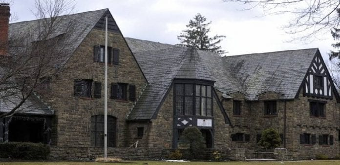 Frat banned by College Police for exploiting female students on Facebook