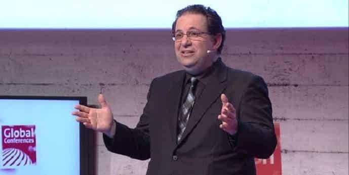 Hacking Guru Kevin Mitnick hacks CeBIT 2015 audience