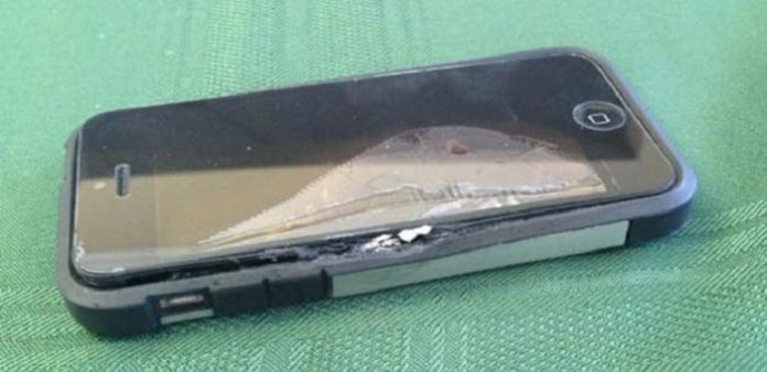 User suffers third degree burns after an iPhone explodes in his pocket