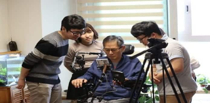 Researchers develop App to help users with arm paralysis operate smartphones