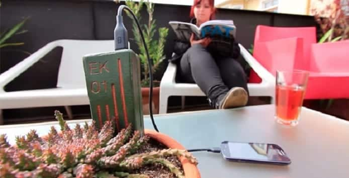 Now charge your Smartphone with energy from plants through E-Kaia portable smartphone charger