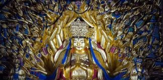 """Chinese experts complete the restoration of 800 year old statue""""Qianshou Guanyin"""""""