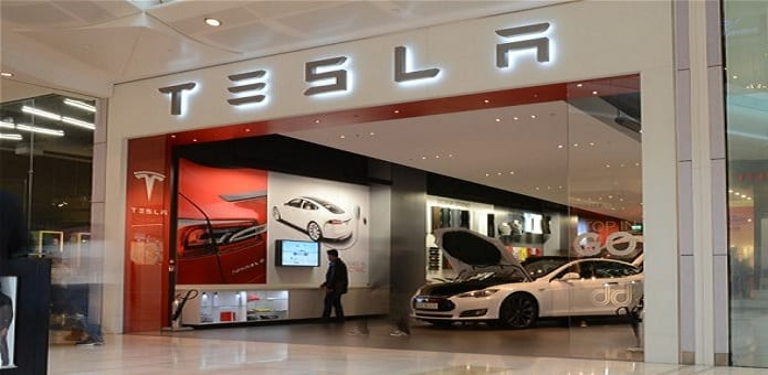 Tesla Motors offers bug bounty to white hat hackers but not for hacking its cars