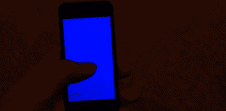 T-Mobile iPhone Users experience 'Blue Screen Of Death' Issues