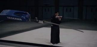 Robot Beats Japanese Master Swordsman: Super Samurai (VIDEO)