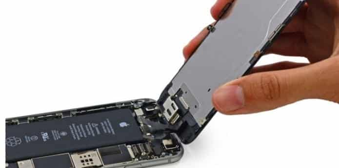 Hydrogen-powered phone battery could charge your smartphone for a week