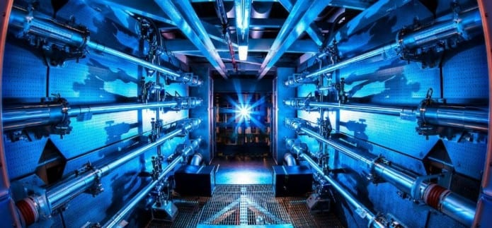 LFEX produces world's most powerful laser beamwith apeak power of 2,000 trillion Watts!