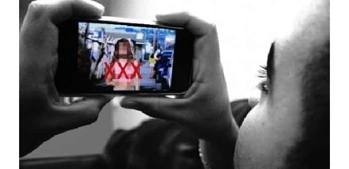 Android porn app secretly takes photos of users, locks smartphone & demands ransom