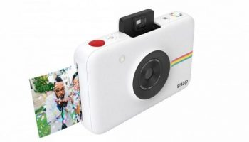 Take instant photos with Polaroid Snap inkless camera