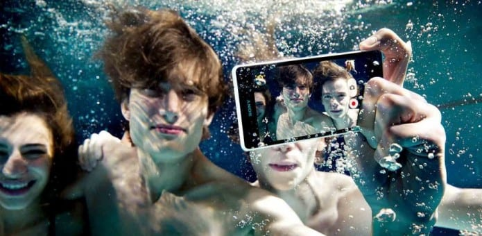 Sony warns its users not to take waterproof Xperias underwater