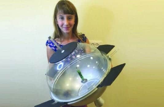 This thirteen-year-old builds a satellite that can produce oxygen in space