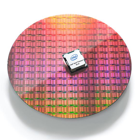 gmc_16_01_broadwellphotography_waferandprocessor_1_rgb_white_sm-100652923-large