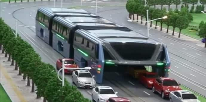 """China's futuristic """"Land Airbus"""" to straddle roads by the end of the year"""