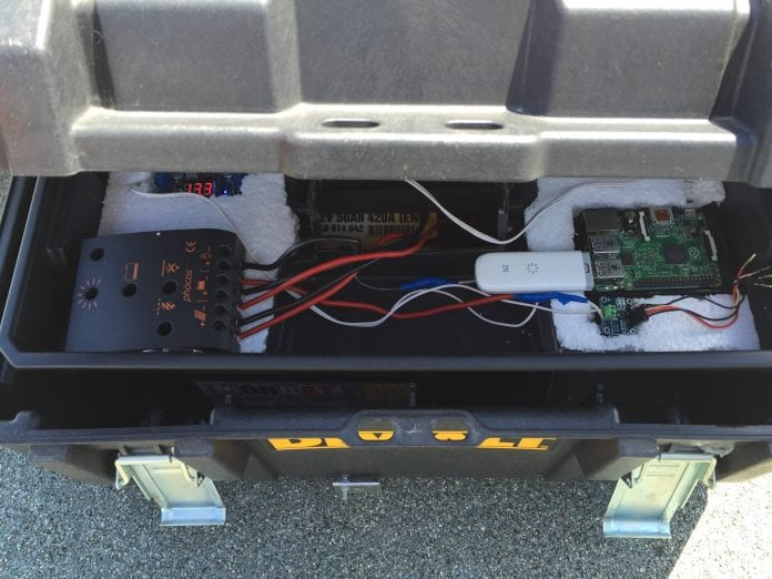 Reddit user creates a solar powered Rpi server that runs 24/7