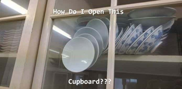 Existential conundrum : How can I open the cupboard without breaking the plates asks mom to online users