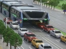 China's Straddling Bus Experiment Comes To A Halt, Runs Out Of Money