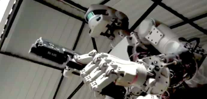 Russian Space Robot Bound For ISS Can Shoot Guns With Both ...
