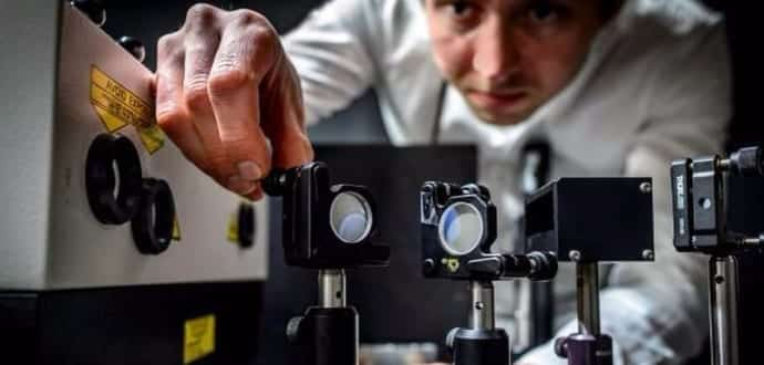 World's fastest camera records five trillion frames per second and can capture movement of light
