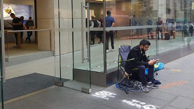 This Apple fanboy sets up camp outside Apple store to be the first one to buy iPhone X