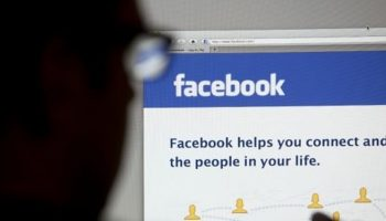 Facebook employees went through users file sent in private chat, claims user