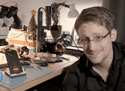 Edward Snowden's new app turns your Android phone into a surveillance system