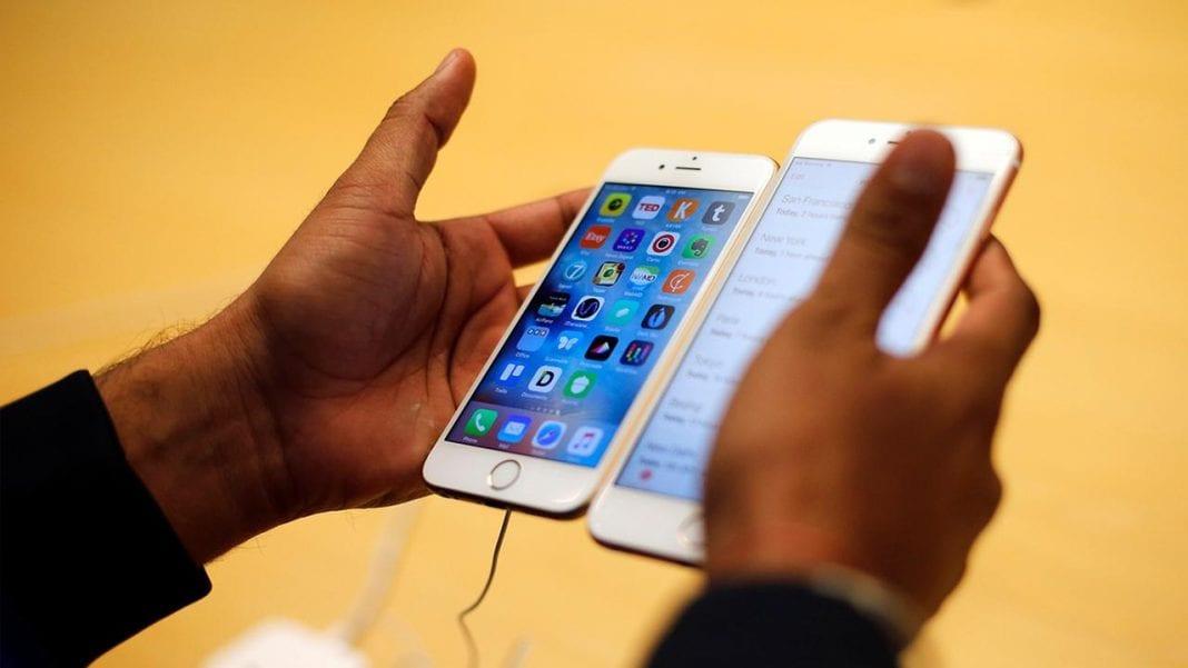 Apple accused of overcharging customers for repairing old batteries