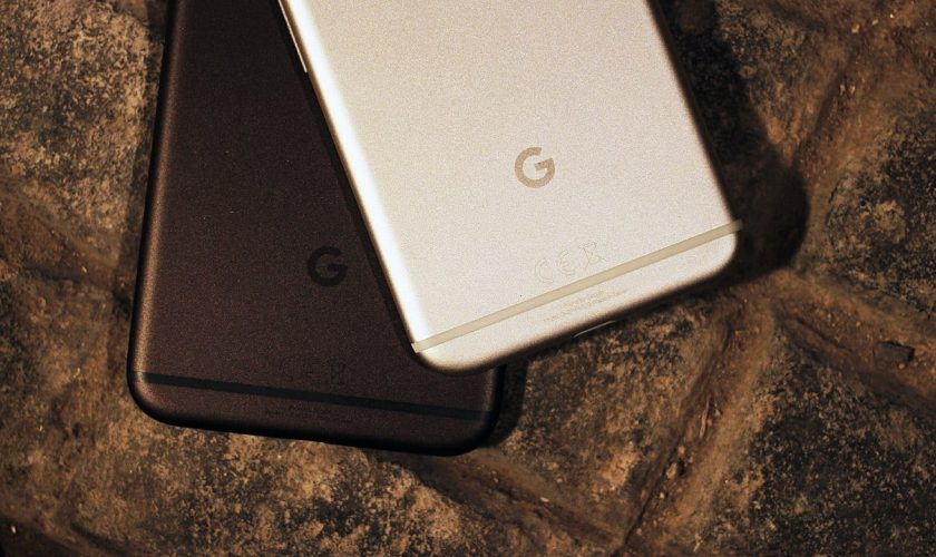 Google_Pixel_and_Pixel_XL_smartphones