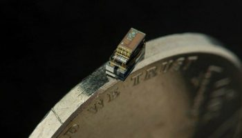 Micro-Mote-The-smallest-computer-in-the-world