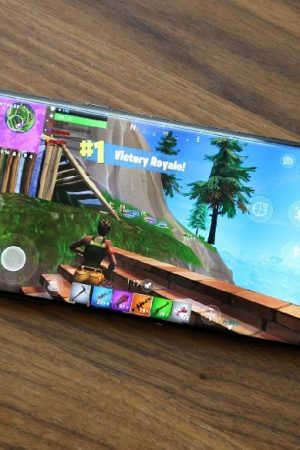 "Fortnite for Android to come as Galaxy Note 9 ""Exclusive"" at launch"