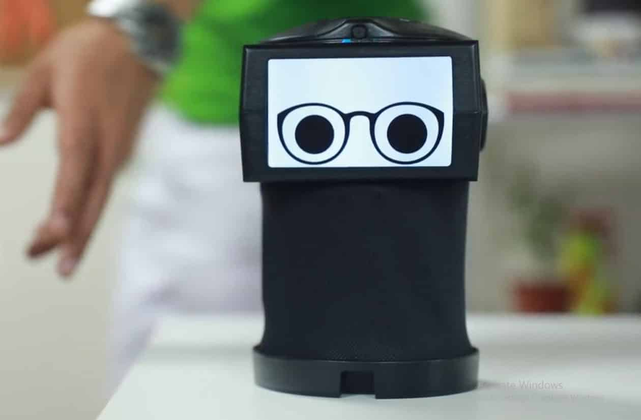 Peeqo Intelligent Gif Robot