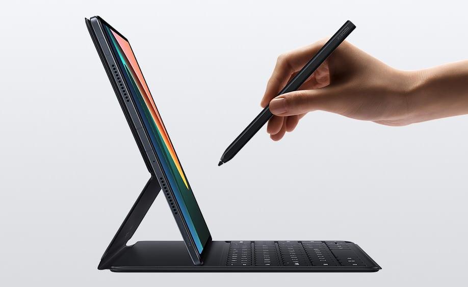 Mi-Pad-5-stylus-and-keyboard